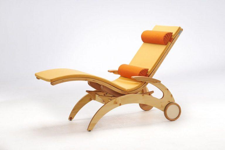 Relaxliege Siesta Natur Wellnessliege Holz Saunaliege in Zirbe